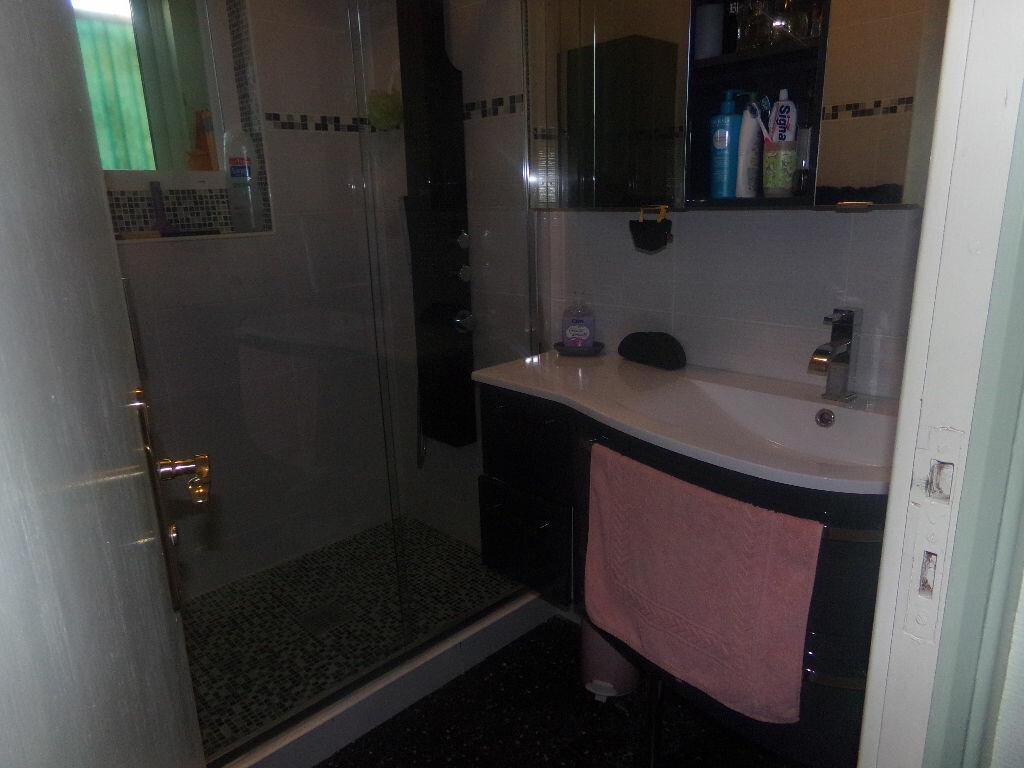 Achat Appartement 1 pièce à Six-Fours-les-Plages - vignette-5
