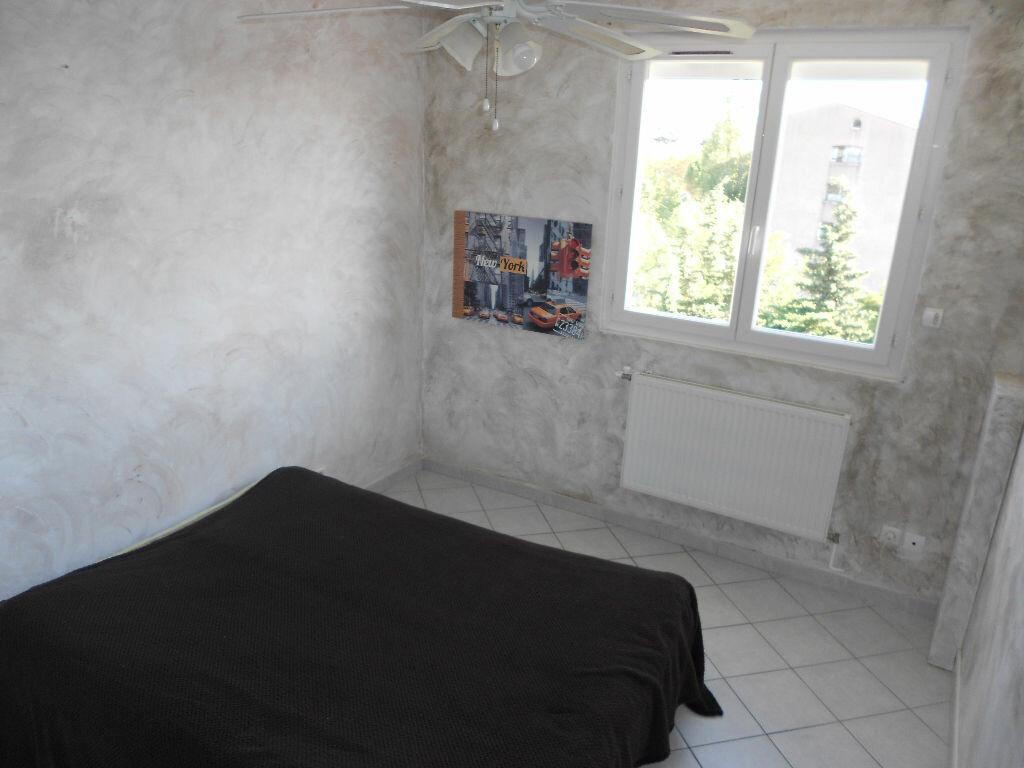 Achat Appartement 4 pièces à La Valette-du-Var - vignette-4