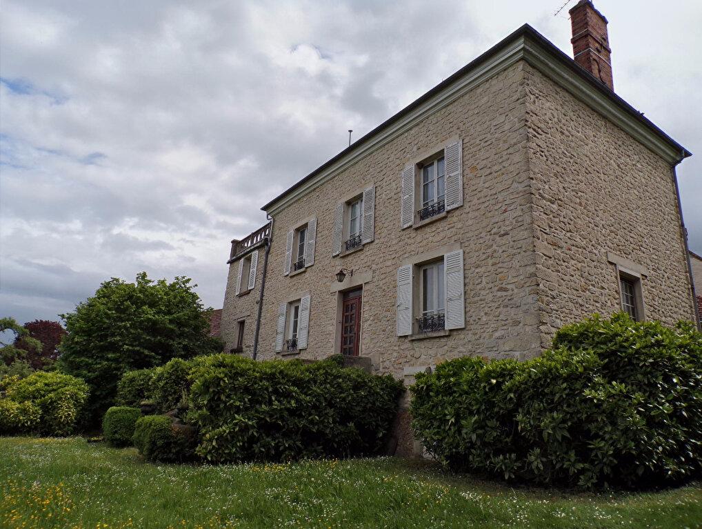 Achat Maison 9 pièces à Montalet-le-Bois - vignette-1