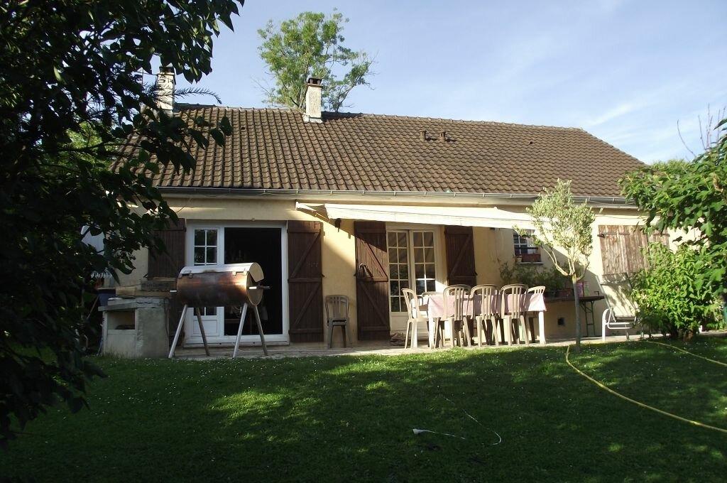 Achat Maison 4 pièces à Oinville-sur-Montcient - vignette-1