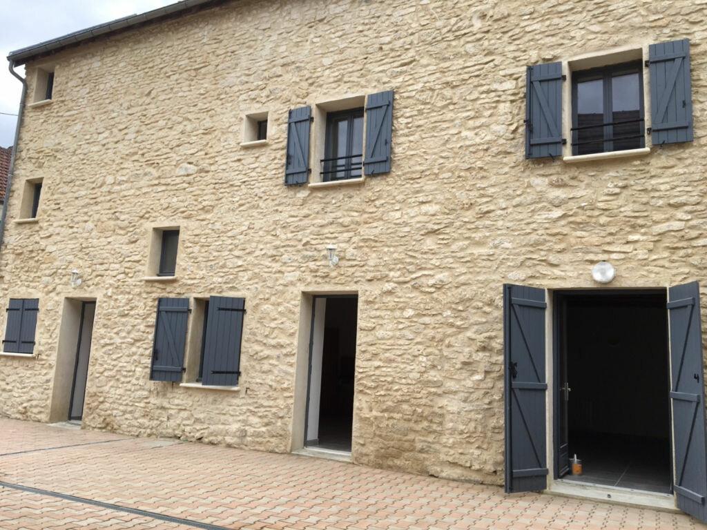 Location Maison 4 pièces à Fontenay-Saint-Père - vignette-1