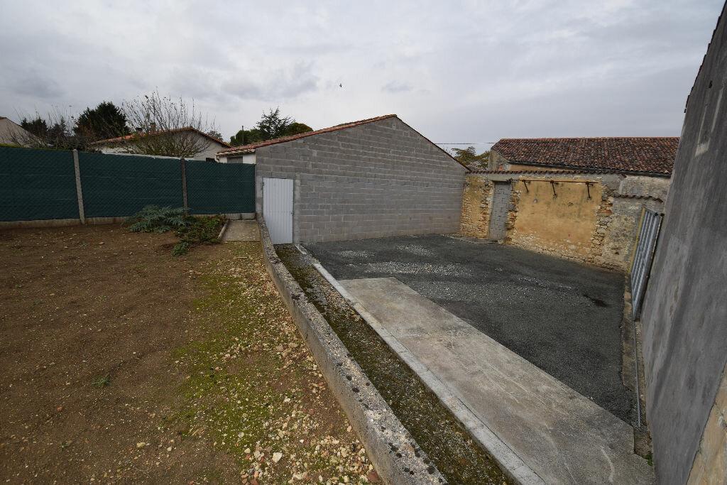 Achat Maison 3 pièces à Pont-l'Abbé-d'Arnoult - vignette-1