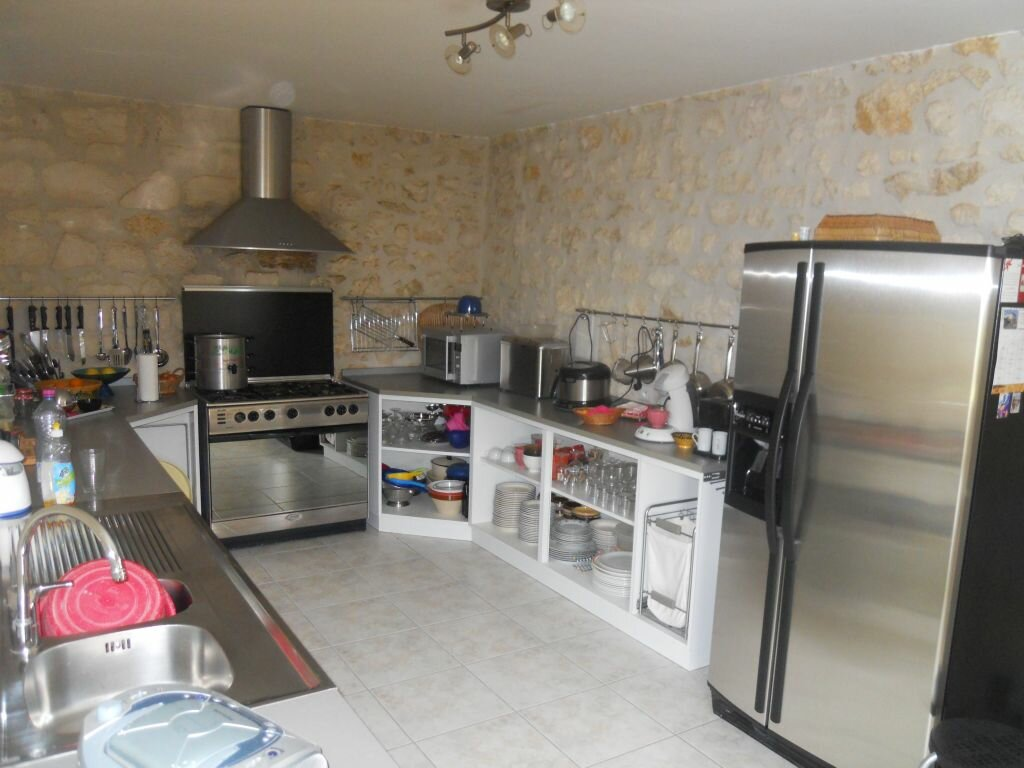 Achat Maison 6 pièces à Saint-Sulpice-d'Arnoult - vignette-4