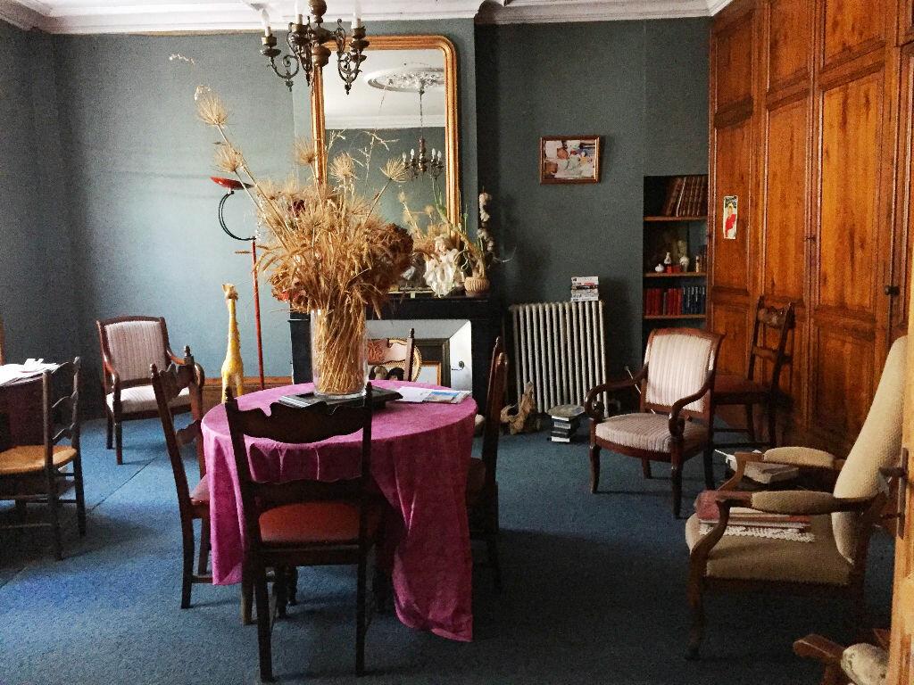 Achat Maison 7 pièces à Saint-Porchaire - vignette-4