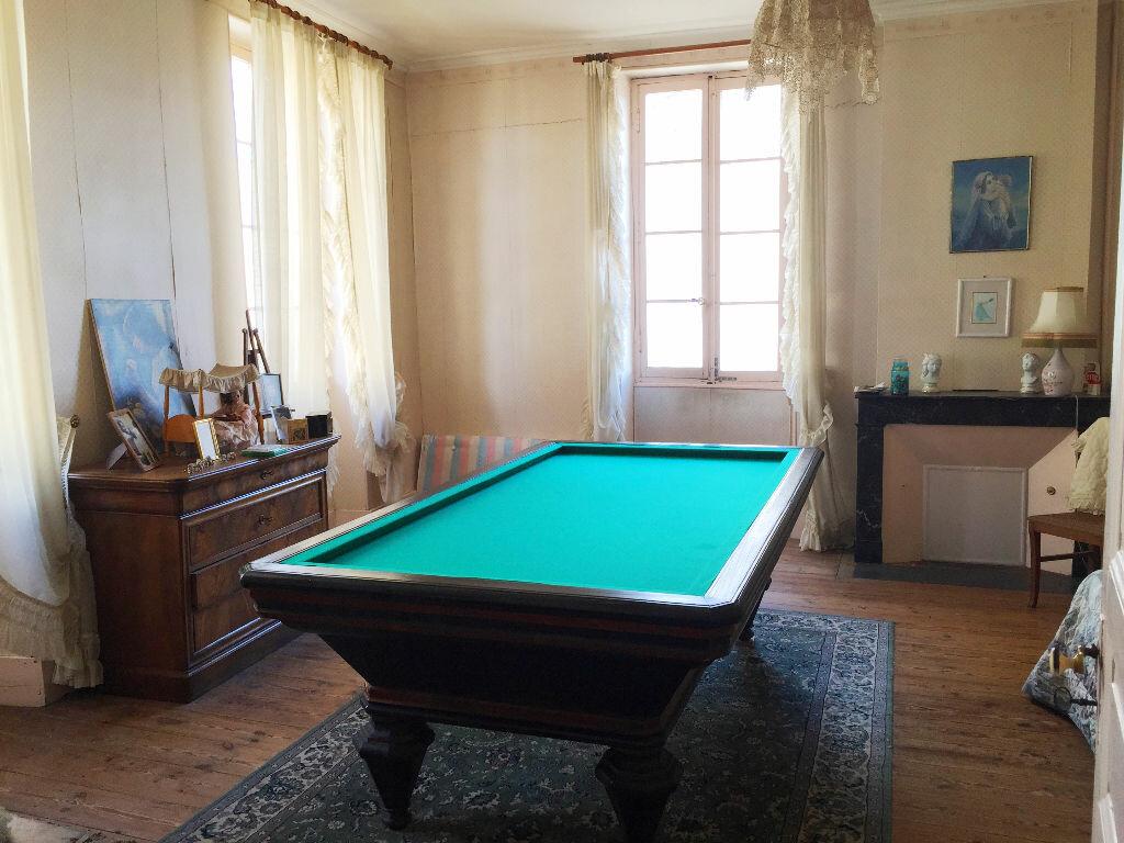 Achat Maison 7 pièces à Saint-Porchaire - vignette-5