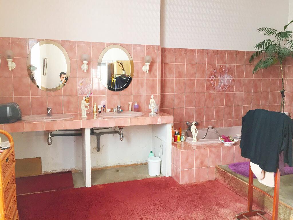 Achat Maison 7 pièces à Saint-Porchaire - vignette-7