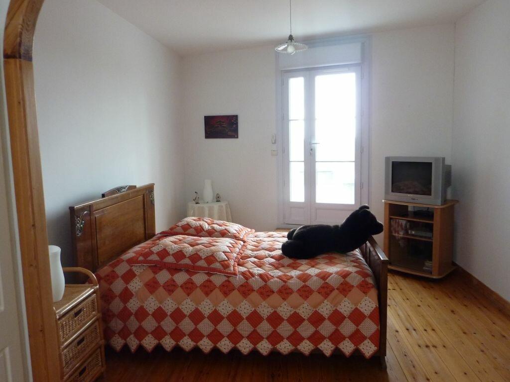 Achat Maison 6 pièces à Saint-Savinien - vignette-11