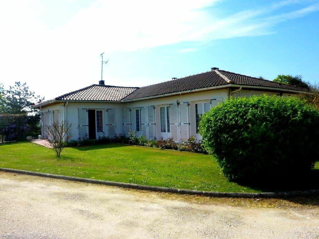 Achat Maison 7 pièces à Saint-Savinien - vignette-13
