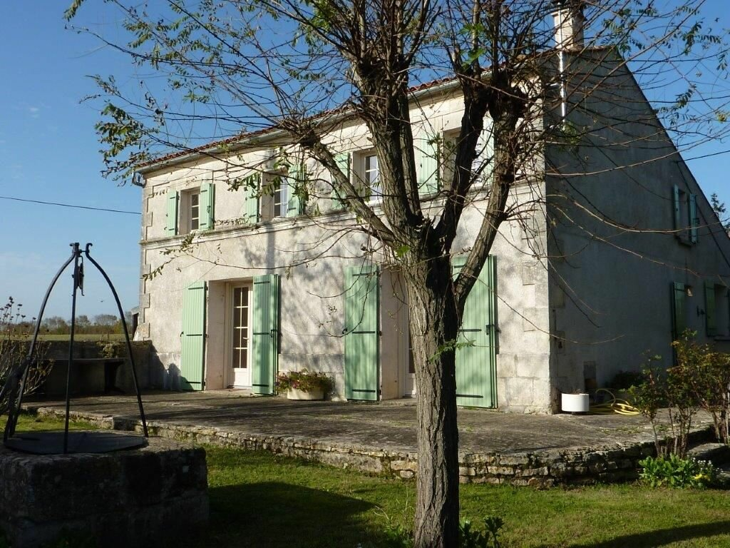Achat Maison 6 pièces à Saint-Savinien - vignette-1