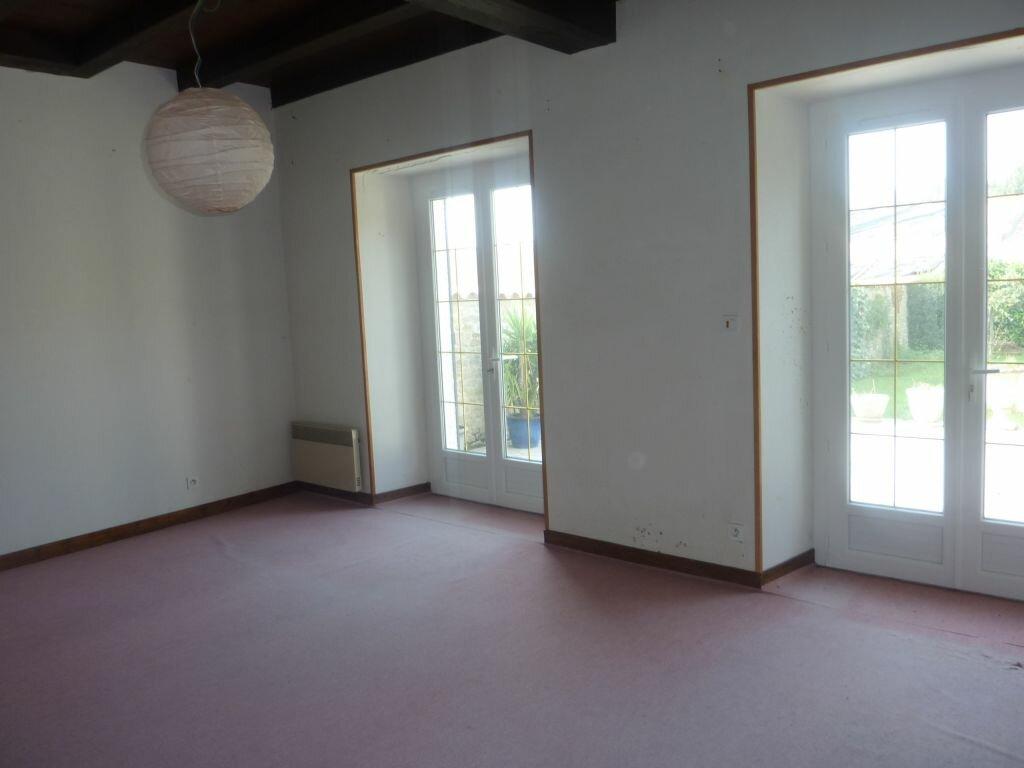 Achat Maison 8 pièces à Puy-du-Lac - vignette-4