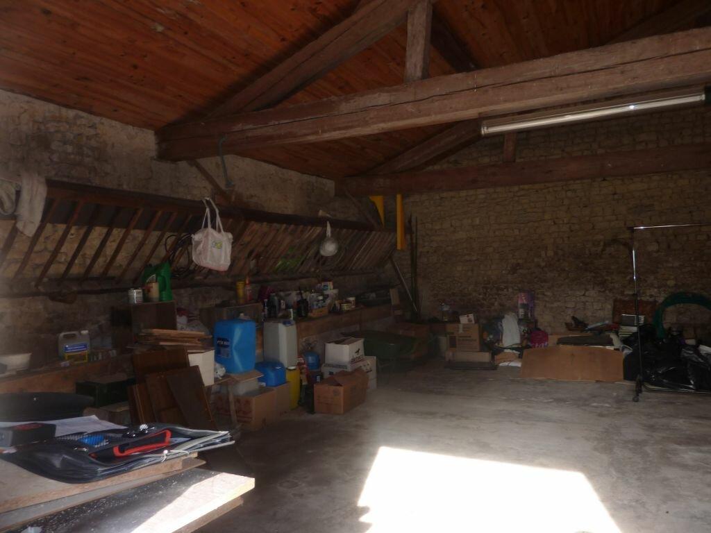 Achat Maison 8 pièces à Puy-du-Lac - vignette-11