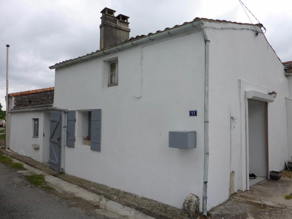Achat Maison 3 pièces à Saint-Savinien - vignette-1