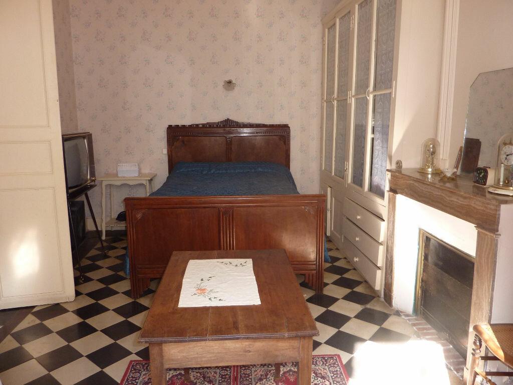Achat Maison 9 pièces à Saint-Savinien - vignette-2