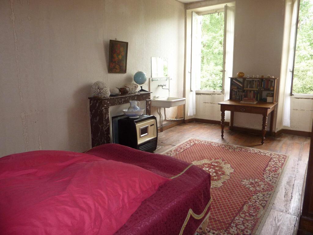 Achat Maison 9 pièces à Saint-Savinien - vignette-7