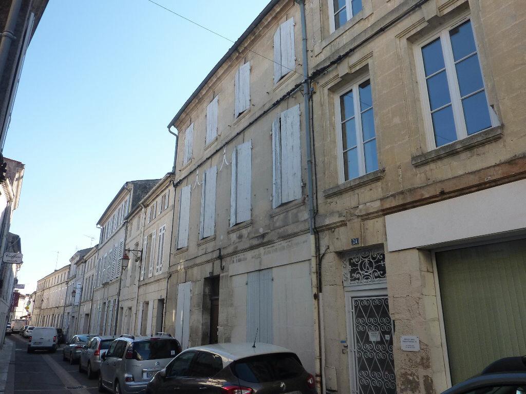 Achat Maison 9 pièces à Saint-Savinien - vignette-14