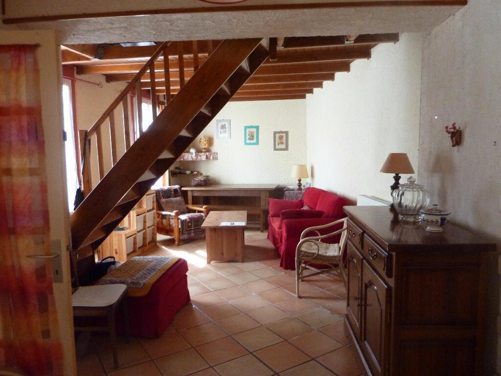 Achat Maison 4 pièces à Saint-Savinien - vignette-3