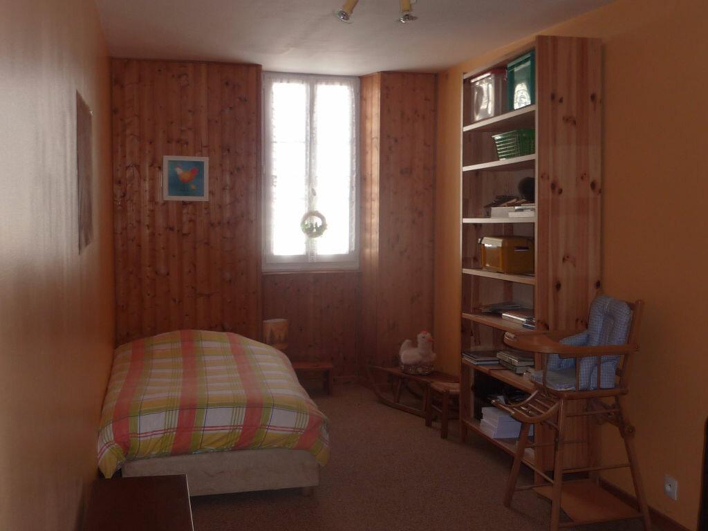 Achat Maison 4 pièces à Saint-Savinien - vignette-8