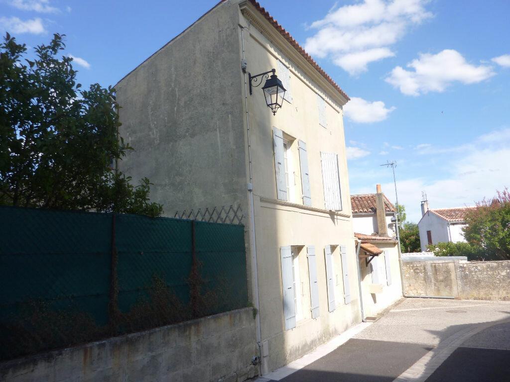 Achat Maison 4 pièces à Saint-Savinien - vignette-10