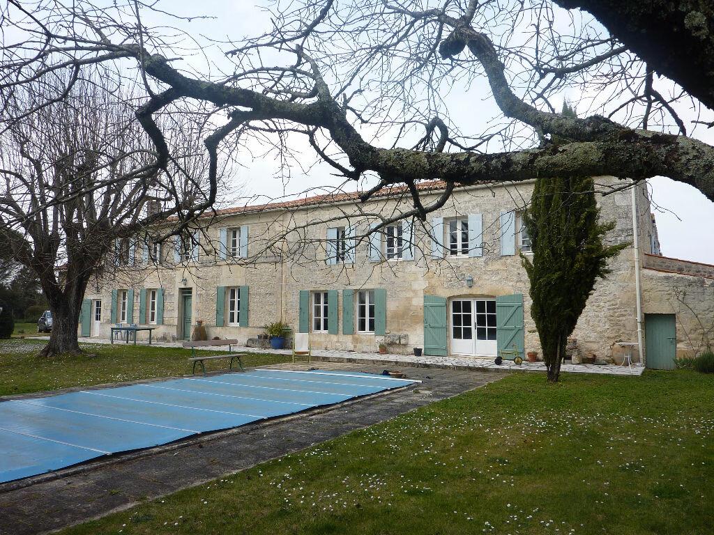 Achat Maison 12 pièces à Saint-Vaize - vignette-1
