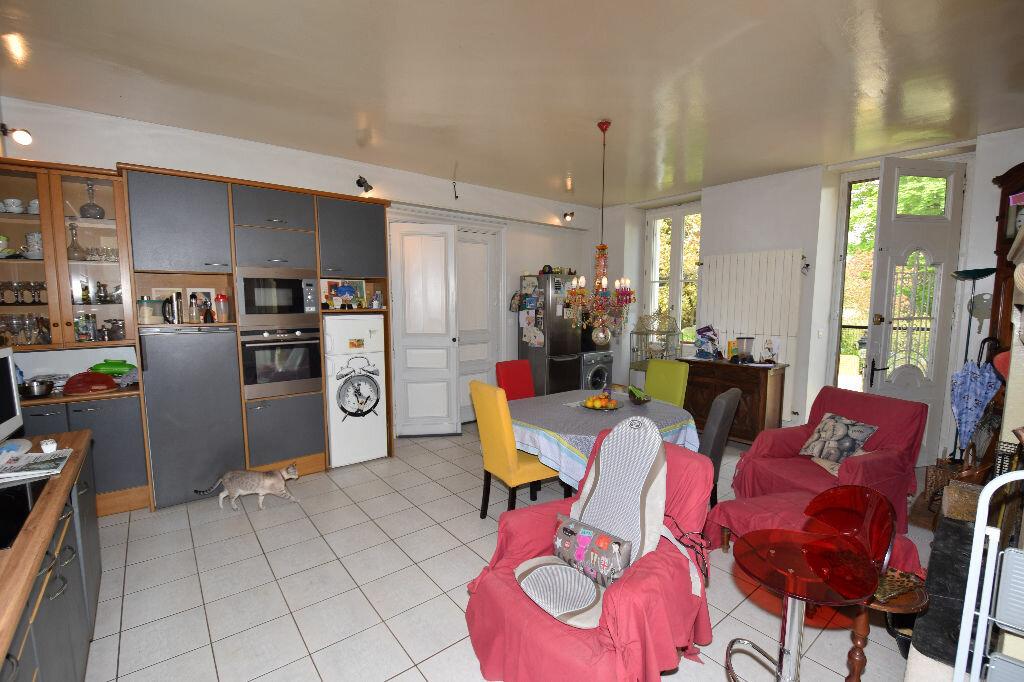 Achat Maison 10 pièces à Saint-Porchaire - vignette-5