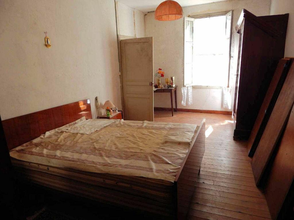 Achat Maison 4 pièces à Taillebourg - vignette-4