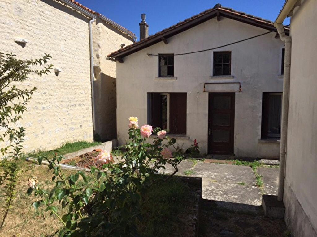 Achat Maison 3 pièces à Port-d'Envaux - vignette-1
