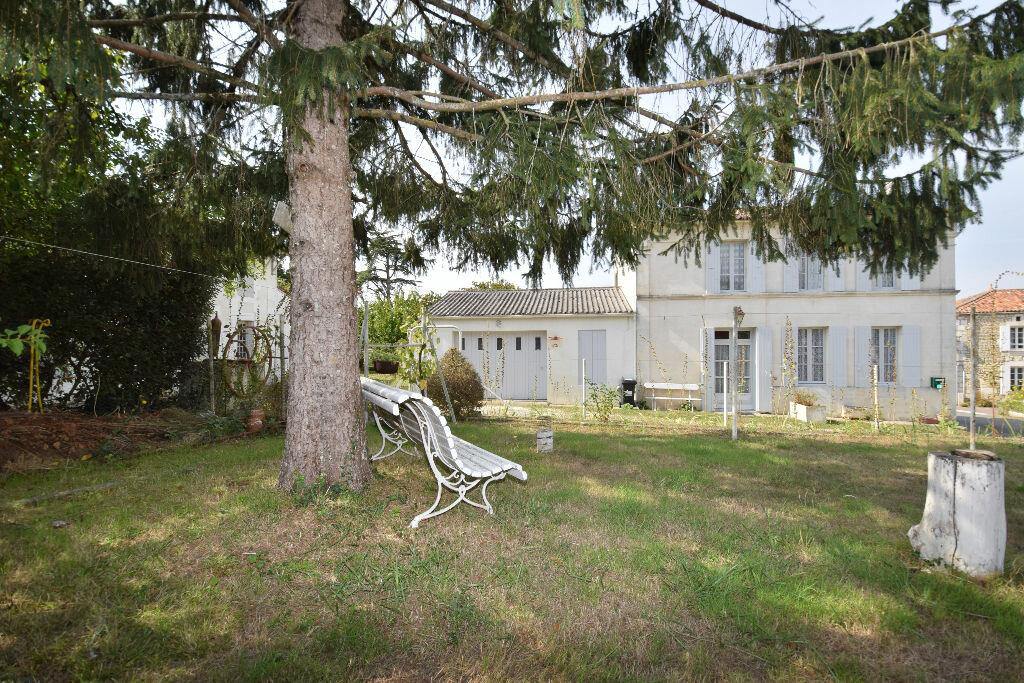 Achat Maison 5 pièces à Saint-Sulpice-d'Arnoult - vignette-1