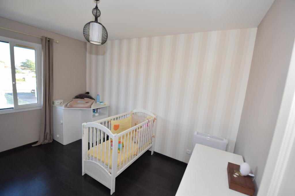 Achat Maison 6 pièces à Pont-l'Abbé-d'Arnoult - vignette-5