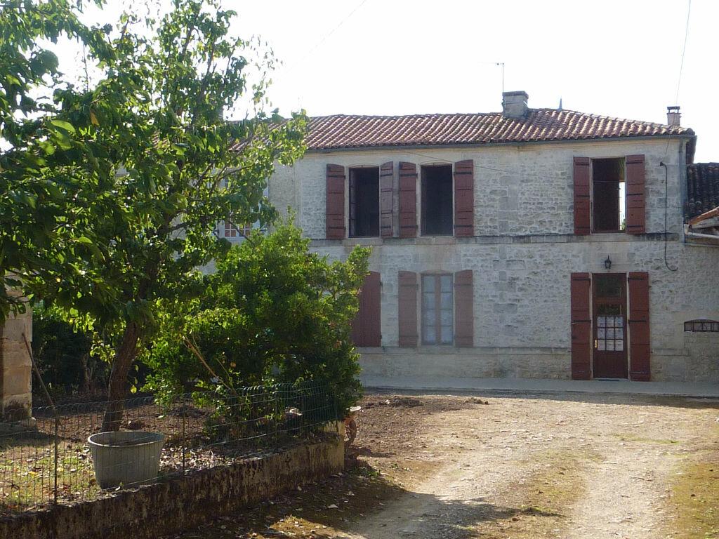 Achat Maison 5 pièces à Saint-Savinien - vignette-2