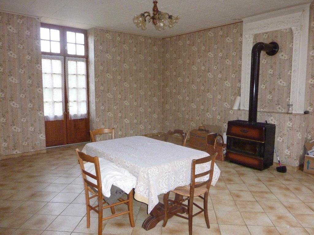 Achat Maison 5 pièces à Saint-Savinien - vignette-5