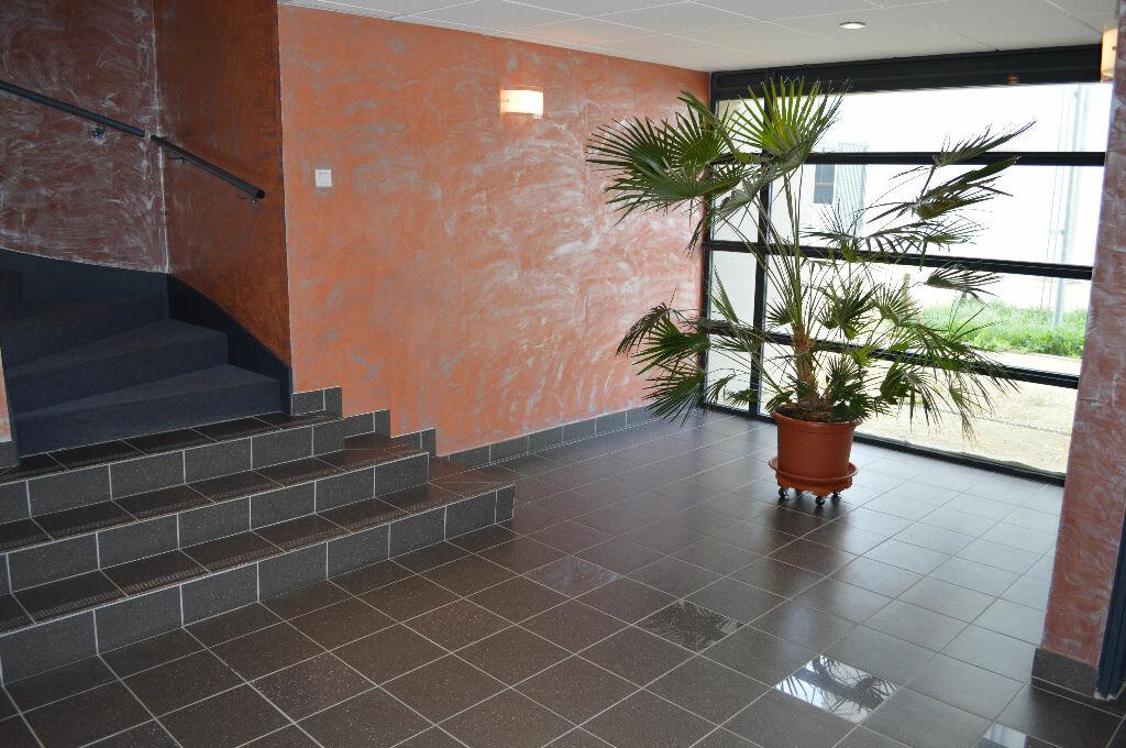 Achat Appartement 3 pièces à Saint-Pierre-des-Corps - vignette-3