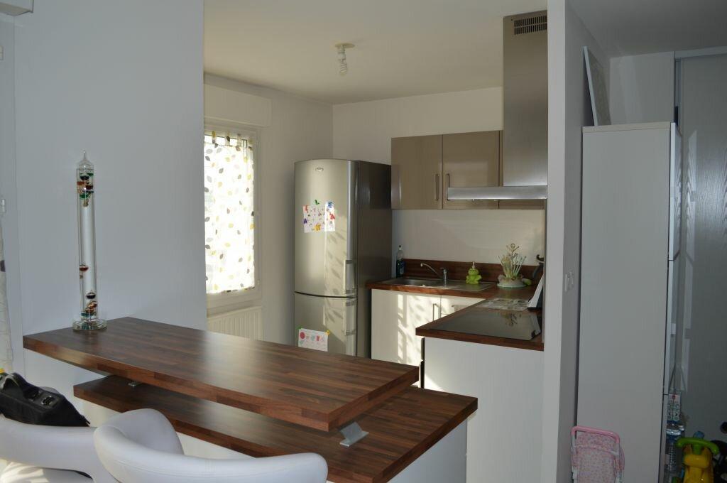 Achat Appartement 3 pièces à Saint-Pierre-des-Corps - vignette-5