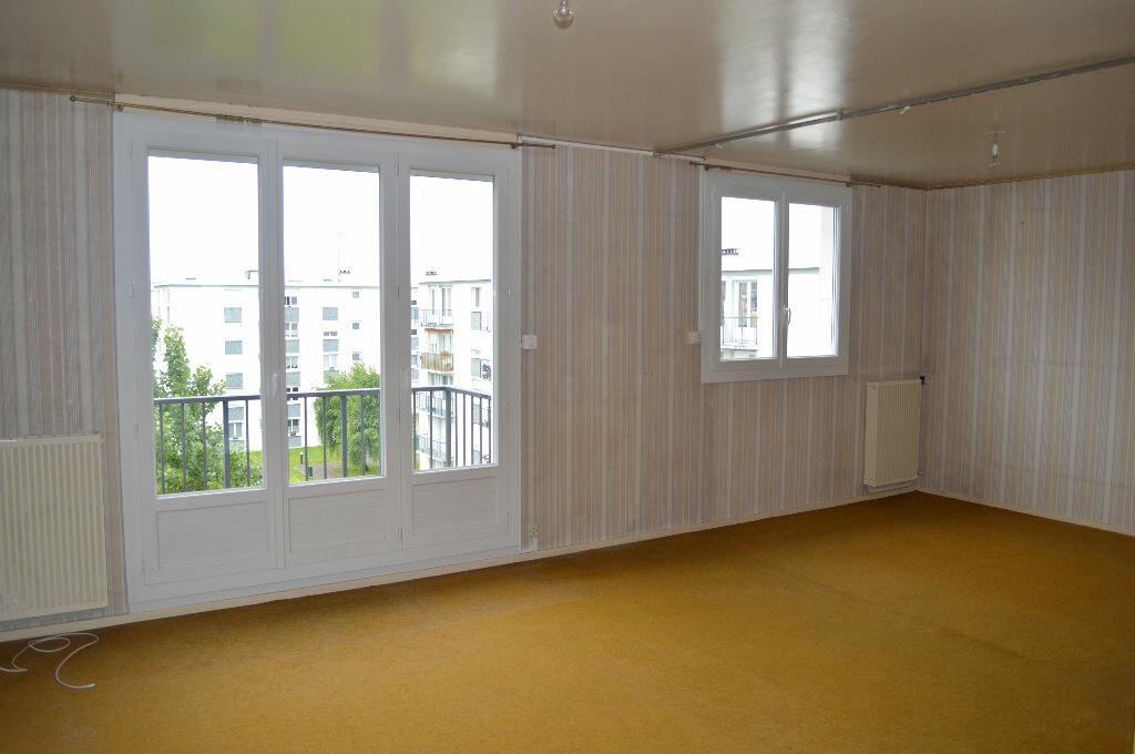 Achat Appartement 4 pièces à Saint-Pierre-des-Corps - vignette-1