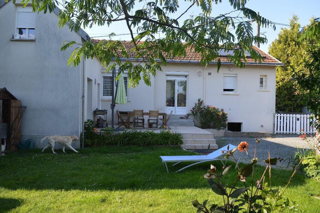Achat Maison 6 pièces à Montlouis-sur-Loire - vignette-1