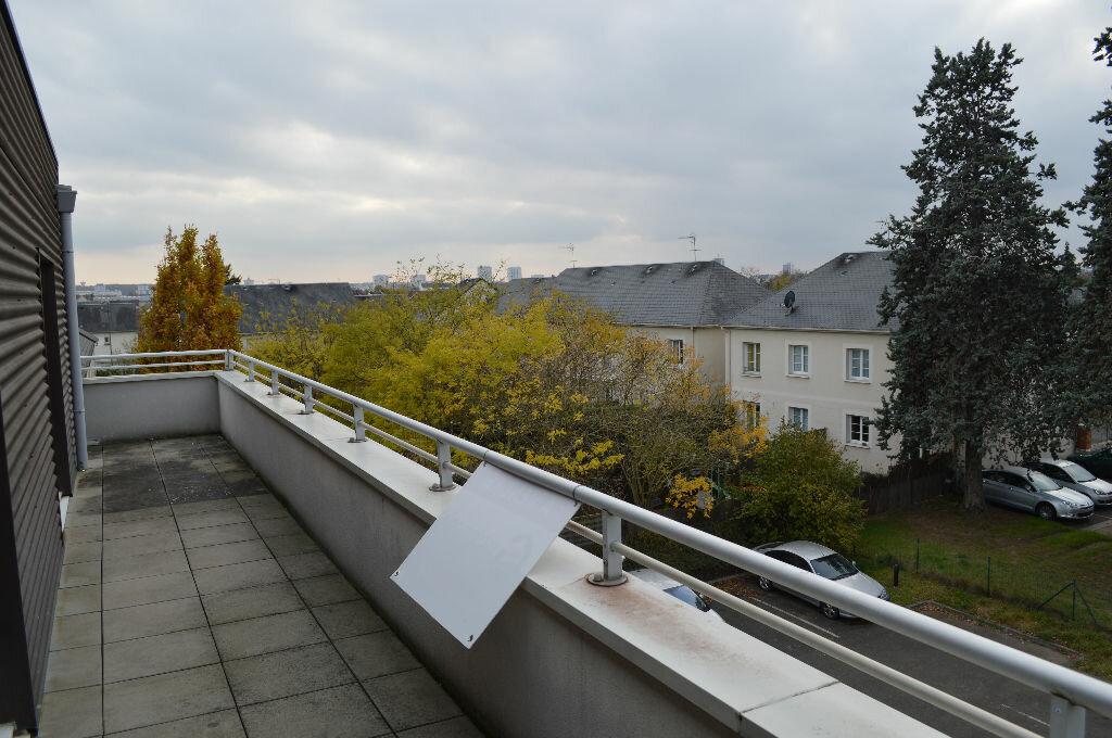 Achat Appartement 4 pièces à Saint-Pierre-des-Corps - vignette-2