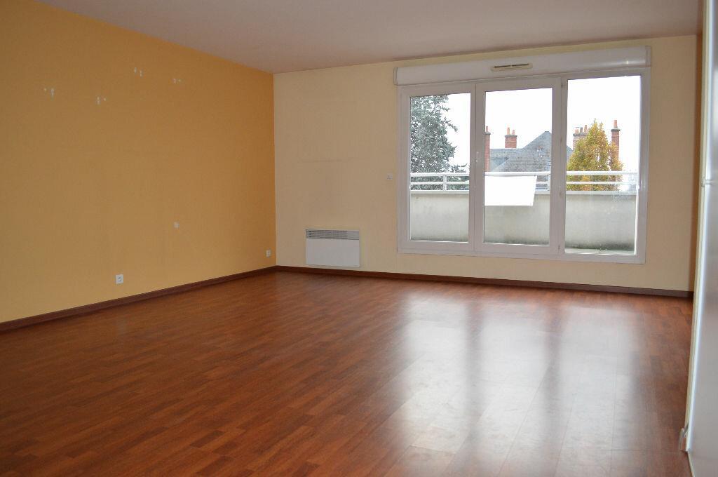 Achat Appartement 4 pièces à Saint-Pierre-des-Corps - vignette-4