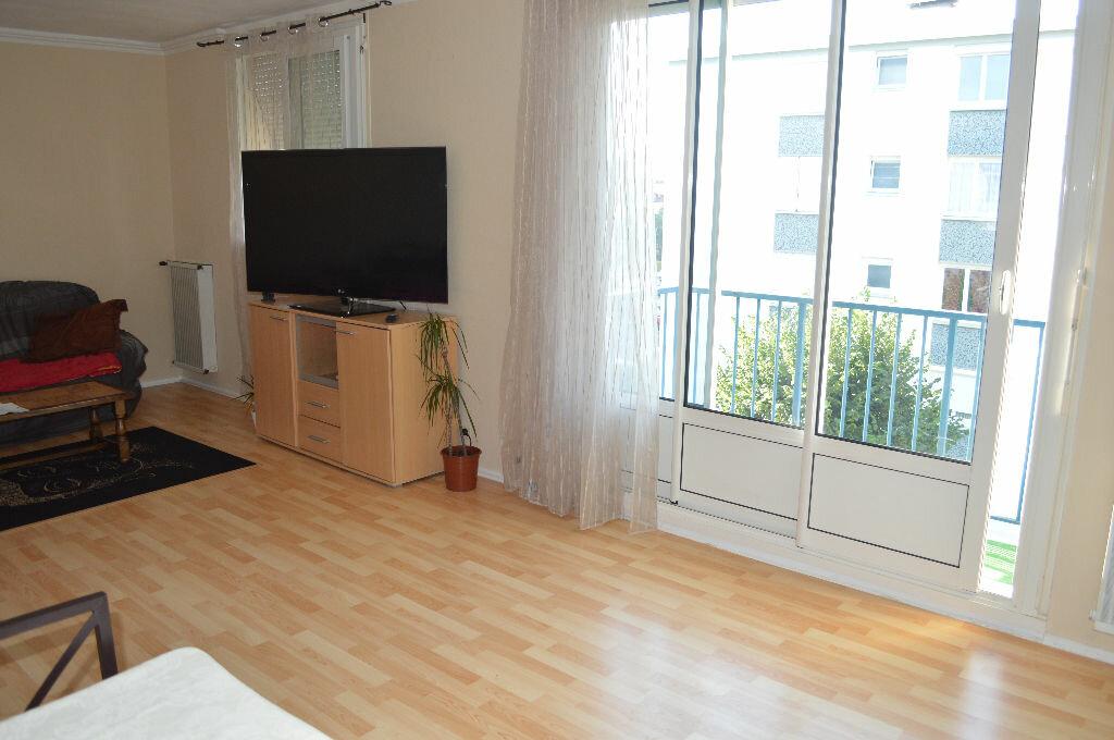 Achat Appartement 4 pièces à Saint-Pierre-des-Corps - vignette-3