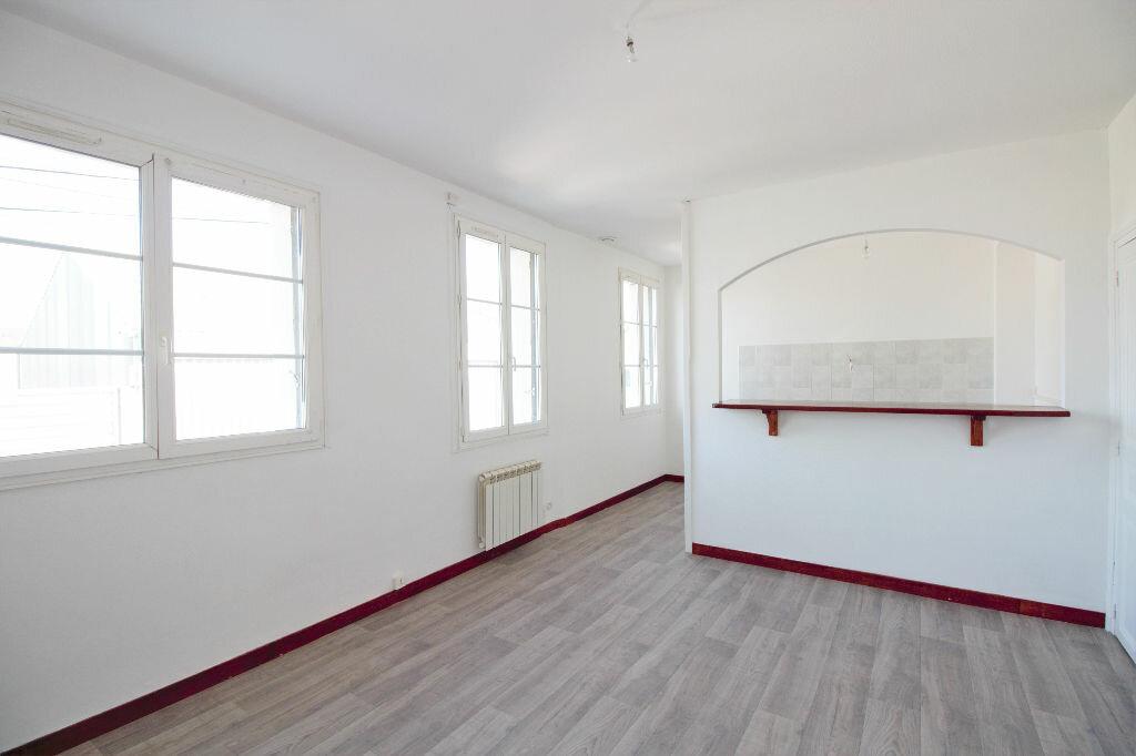 Achat Immeuble  à Saint-Pierre-des-Corps - vignette-1