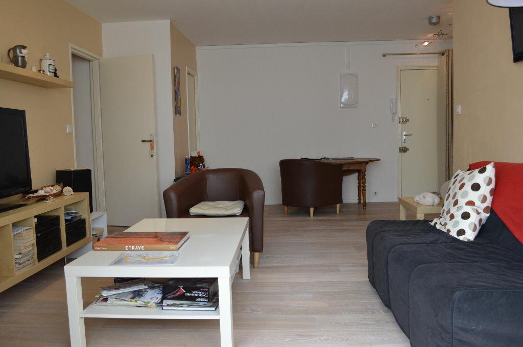 Achat Appartement 2 pièces à Saint-Pierre-des-Corps - vignette-2