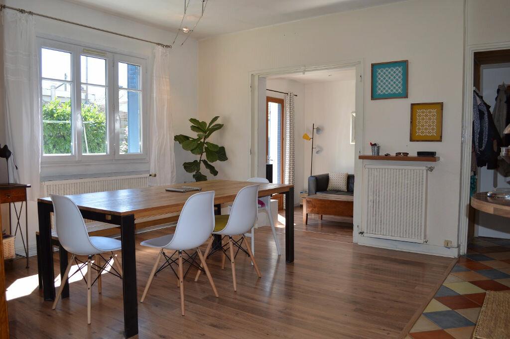 Achat Maison 4 pièces à Saint-Pierre-des-Corps - vignette-2