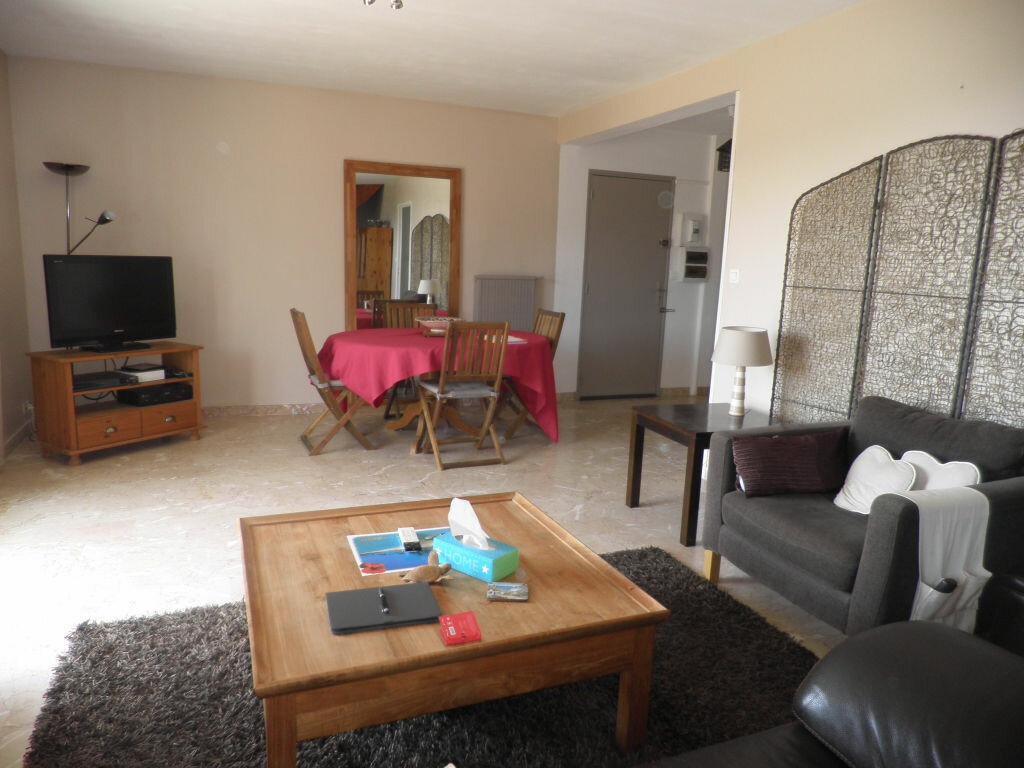 Location Appartement 4 pièces à Ollioules - vignette-1