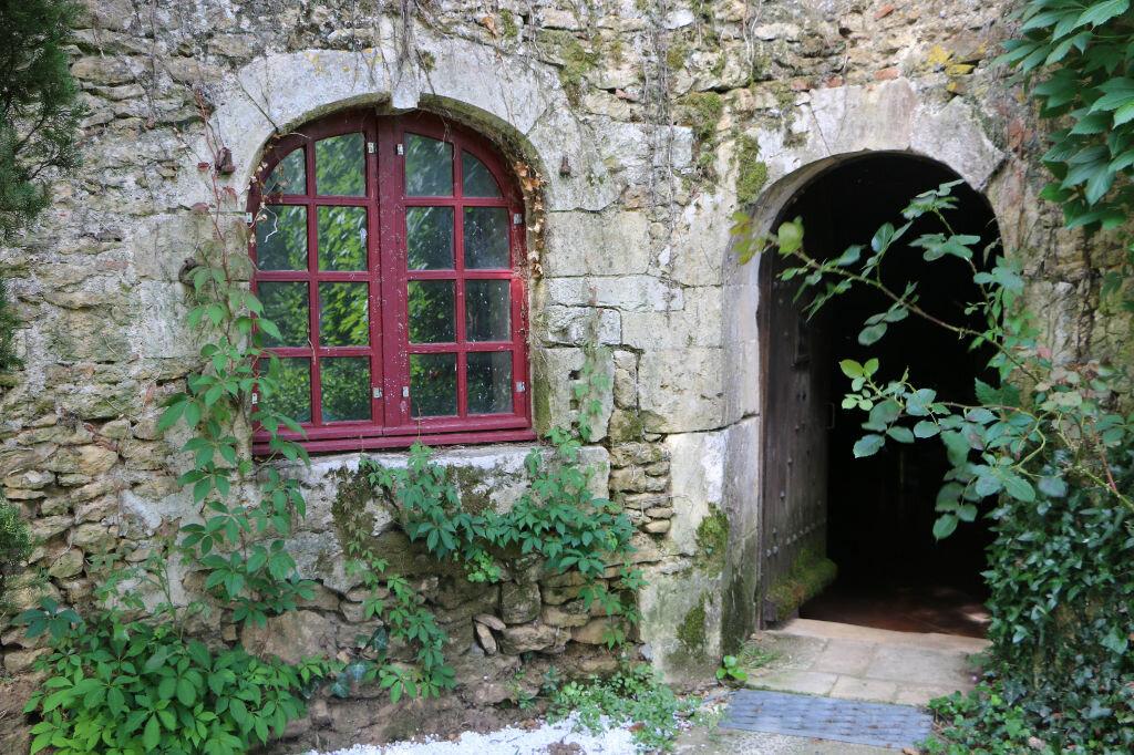 Achat Maison 15 pièces à Sigournais - vignette-1