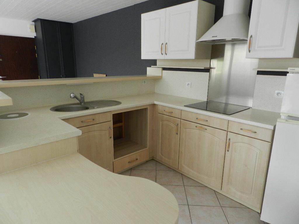 Achat Appartement 3 pièces à Bressuire - vignette-1