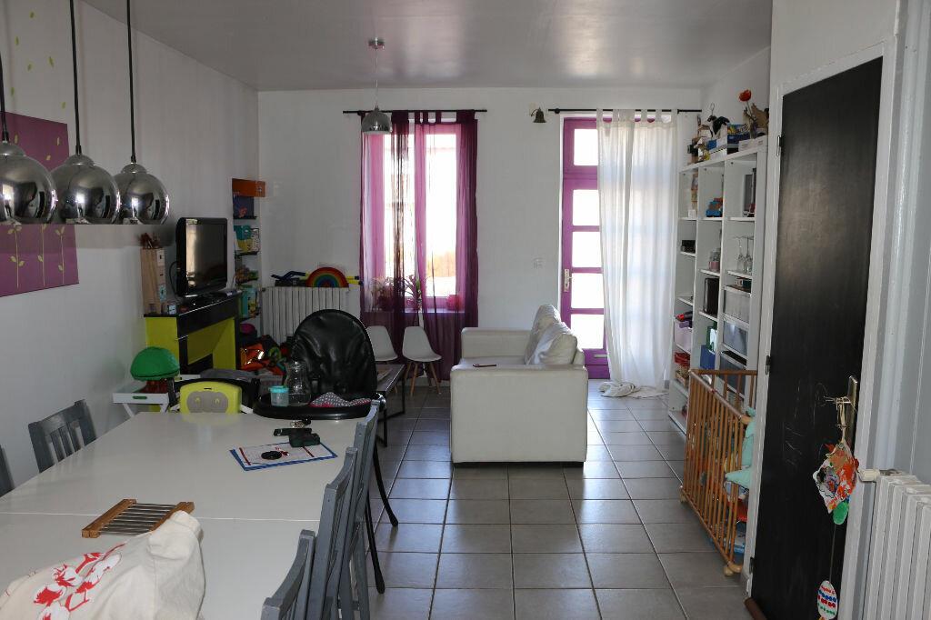 Achat Maison 4 pièces à Bressuire - vignette-2