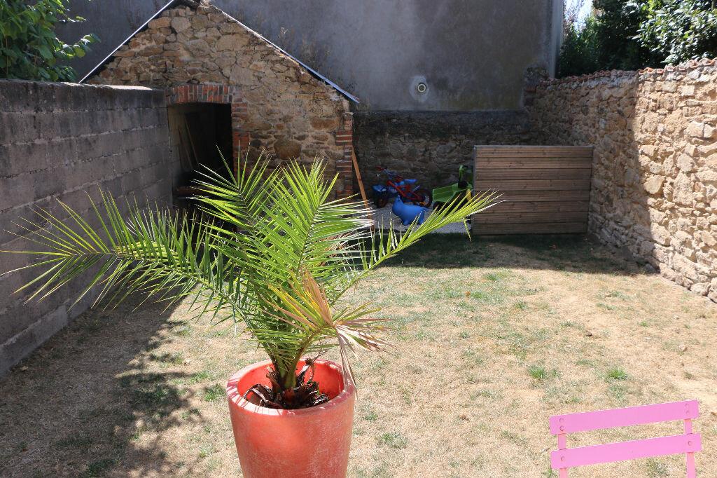 Achat Maison 4 pièces à Bressuire - vignette-3