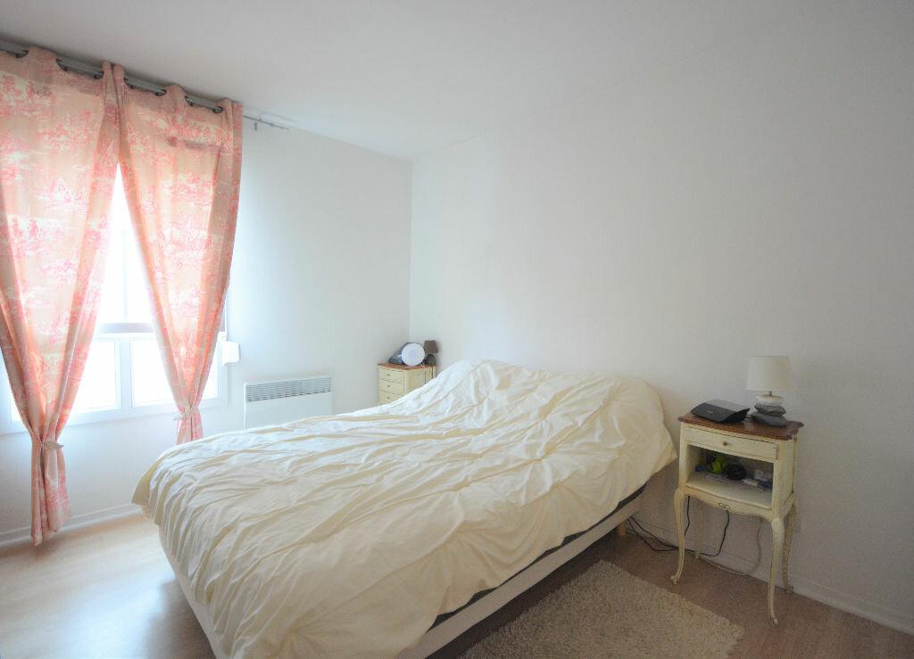 Location Appartement 3 pièces à Abbeville - vignette-4