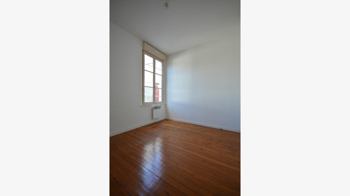 Location Appartement 2 pièces à Abbeville - vignette-3