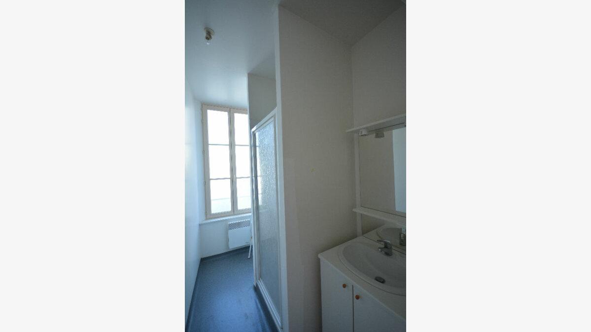 Location Appartement 2 pièces à Abbeville - vignette-4