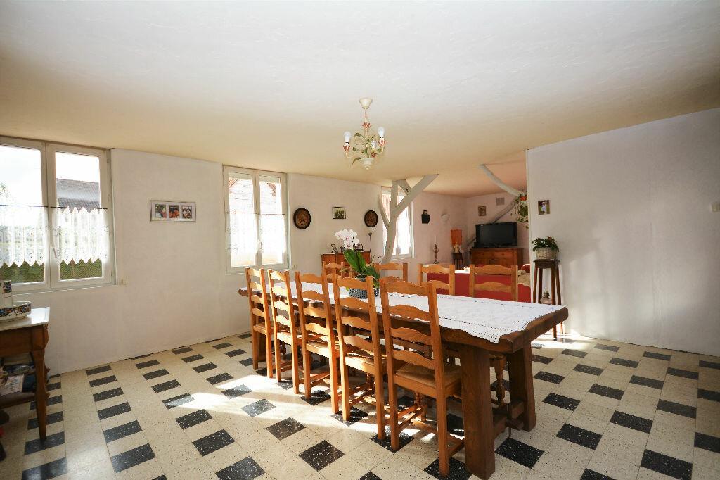 Achat Maison 5 pièces à Crécy-en-Ponthieu - vignette-3