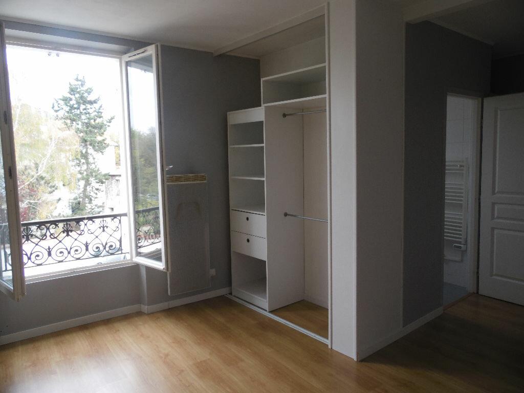 Location Appartement 1 pièce à Montmorency - vignette-1